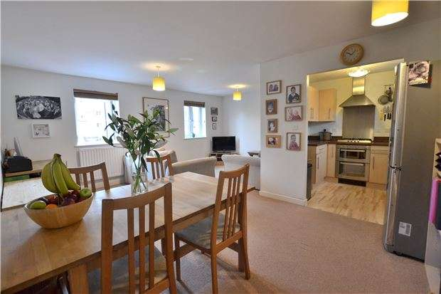 2 Bedrooms Detached House for sale in Cannon Corner, Brockworth, GLOUCESTER, GL3 4FD