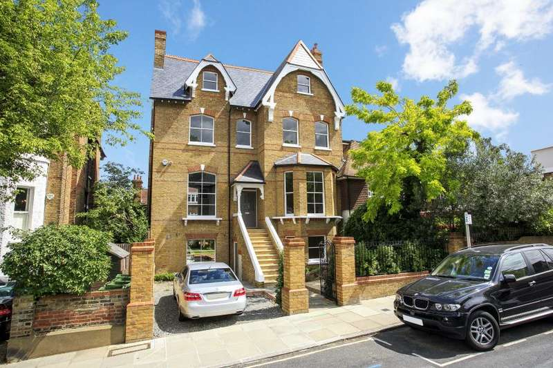 5 Bedrooms Semi Detached House for sale in Kings Road, Richmond Hill