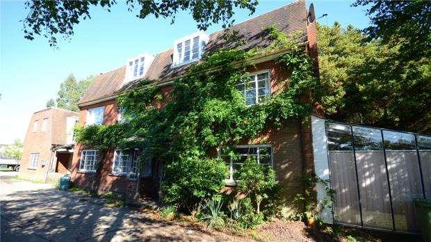 6 Bedrooms Detached House for sale in Waterloo Road, Wokingham, Berkshire