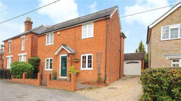3 Bedrooms Detached House for sale in King Edwards Rise, Ascot, Berkshire
