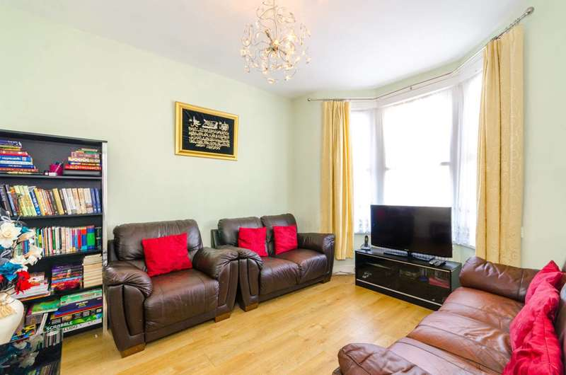 3 Bedrooms House for sale in Tweedmouth Road, Plaistow, E13