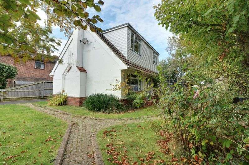2 Bedrooms Detached House for sale in Eastoke Avenue, Hayling Island