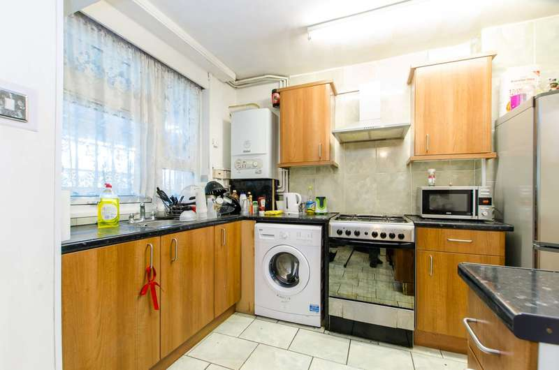 2 Bedrooms Maisonette Flat for sale in Warner Place, Bethnal Green, E2