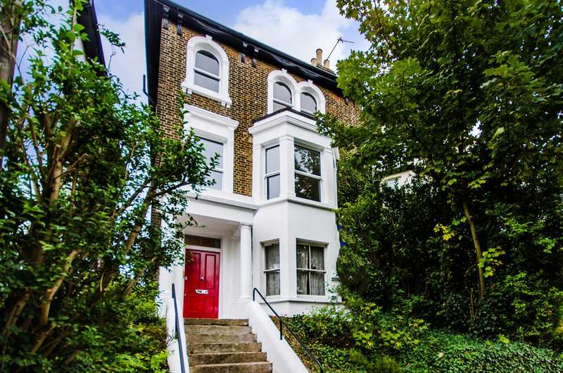 1 Bedroom Flat for sale in Charlton Church Lane, Charlton, SE7