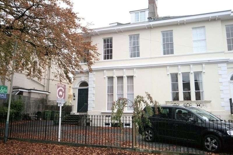 1 Bedroom Flat for sale in Malvern Place, Cheltenham