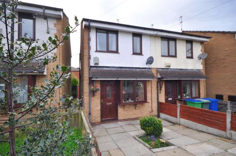 2 Bedrooms Terraced House for sale in Lock Close, Heywood