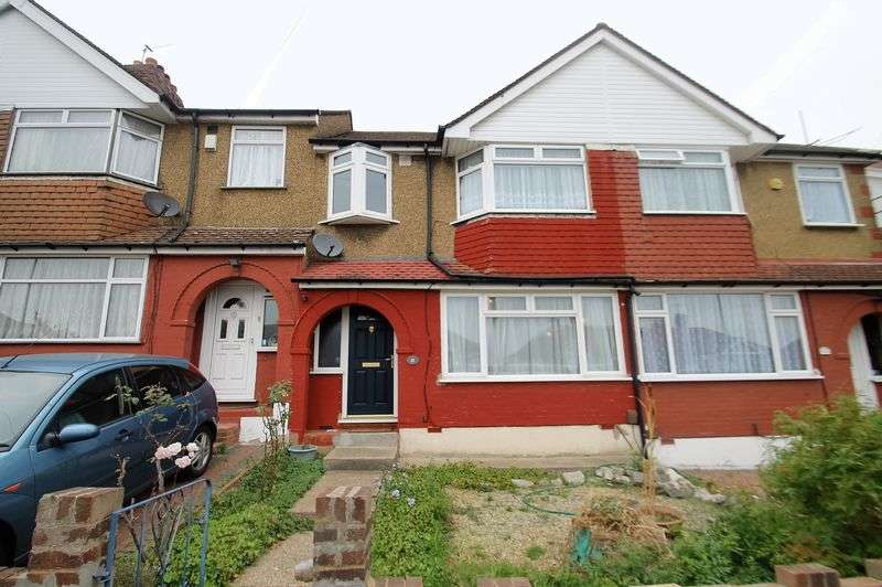 3 Bedrooms Terraced House for sale in Castle Road, Northolt