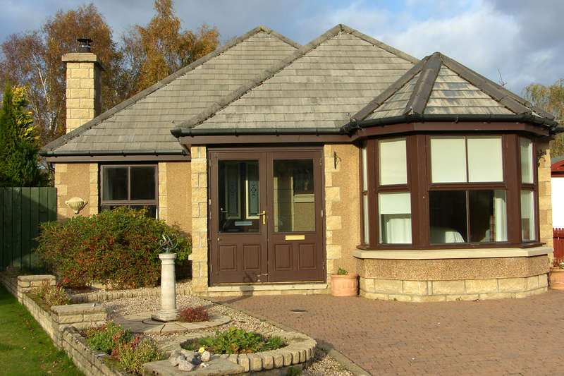 3 Bedrooms Bungalow for sale in Cairn Avie, Aviemore, PH22 1LE