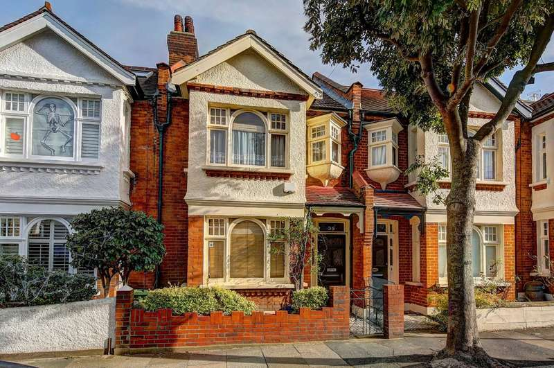 3 Bedrooms Terraced House for sale in Canford Road, Battersea, London
