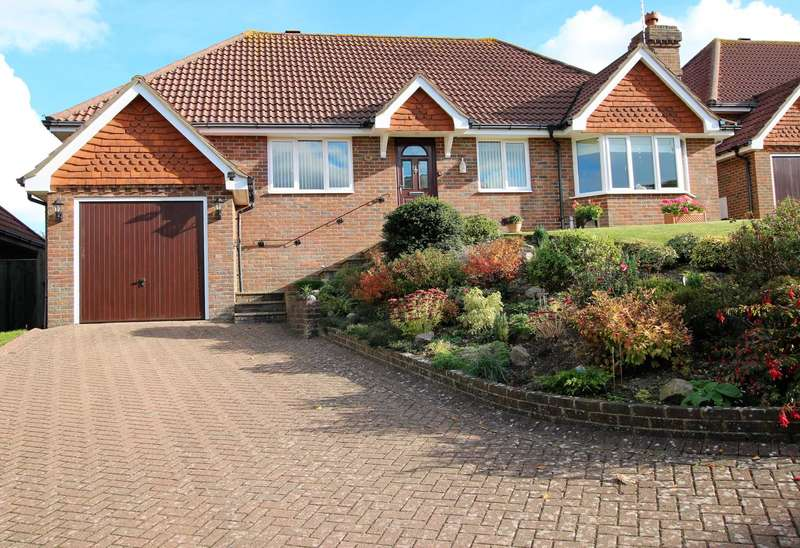 3 Bedrooms Detached Bungalow for sale in Falmer Close, Eastbourne