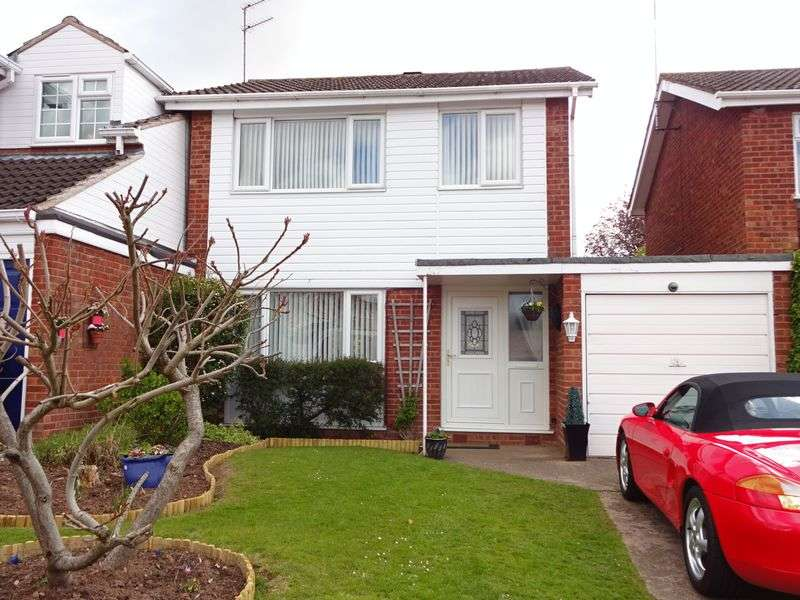 3 Bedrooms Detached House for sale in Tennyson Way, Kidderminster DY10 3XH