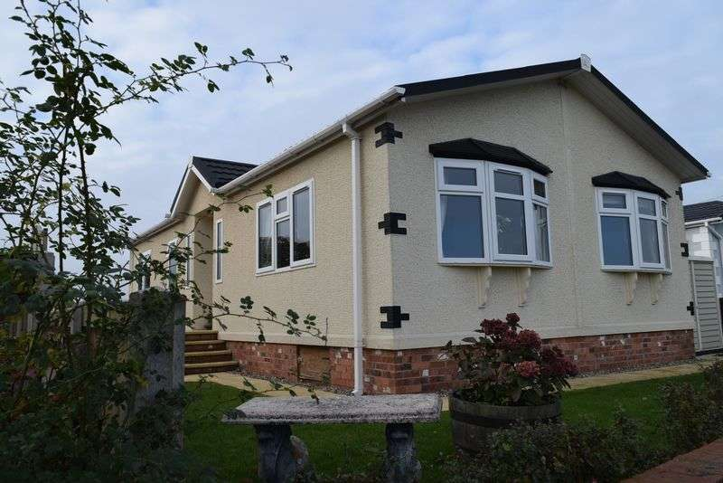 2 Bedrooms Retirement Property for sale in Ellis Drive, Oakfield Park, Wrexham