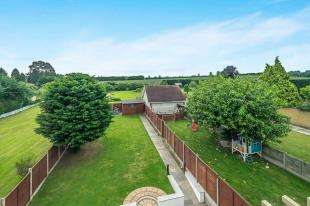 6 Bedrooms Detached House for sale in Pump Lane, Rainham, Gillingham, Kent