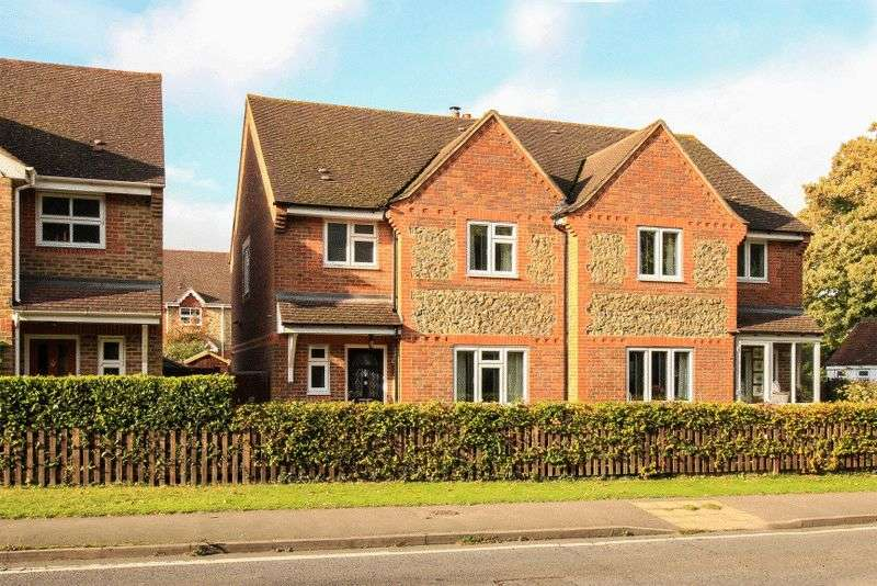 3 Bedrooms Semi Detached House for sale in LITTLE KIMBLE BUCKINGHAMSHIRE