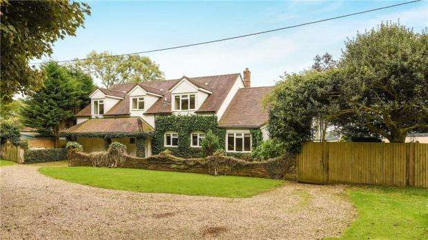 4 Bedrooms Detached House for sale in Northend, Henley-on-Thames, Buckinghamshire