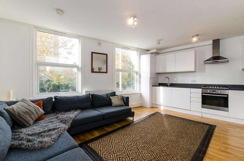 2 Bedrooms Flat for sale in Falcon Road, Clapham Junction, SW11