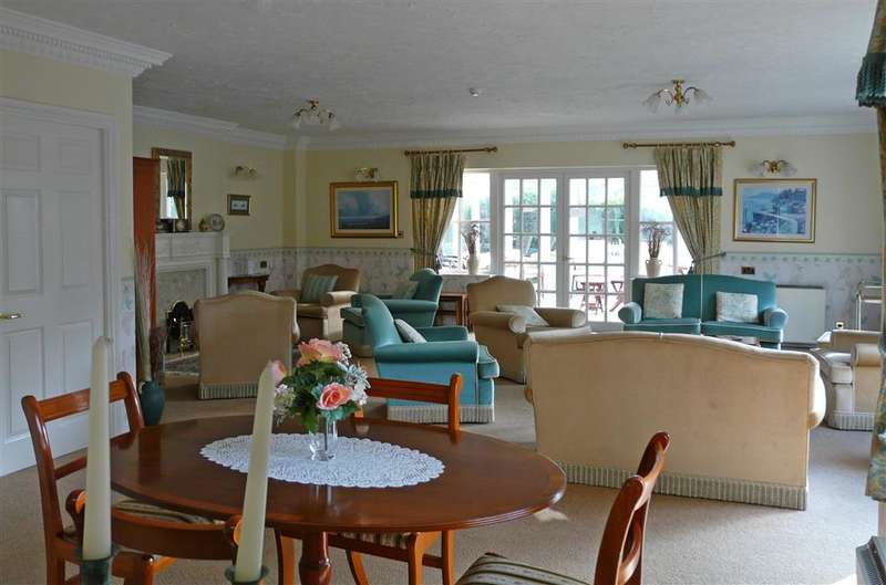 1 Bedroom Apartment Flat for sale in King George Avenue, Petersfield, Hampshire