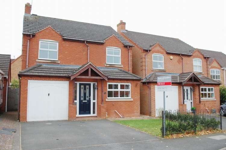 4 Bedrooms Detached House for sale in St. Laurence Way Bidford On Avon Alcester