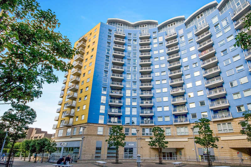 2 Bedrooms Flat for sale in Crown Heights Alencon Link, Basingstoke, RG21