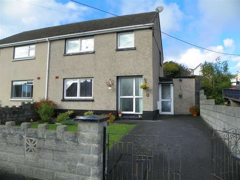 3 Bedrooms Property for sale in Maesglas, Pontyates