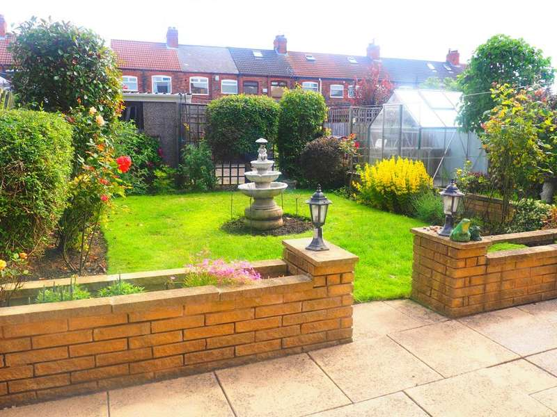 3 Bedrooms Semi Detached House for sale in Brindley Street, Hull, HU9 3BT