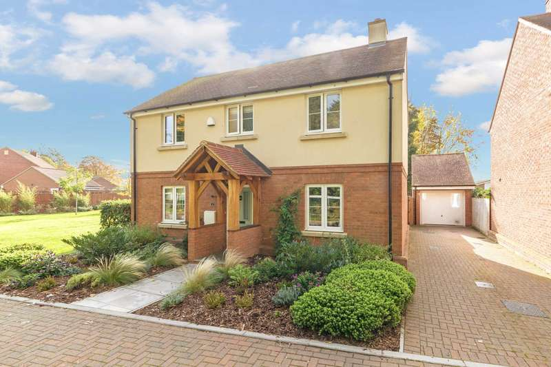 4 Bedrooms Detached House for sale in Pavilion Gardens, Aston Clinton