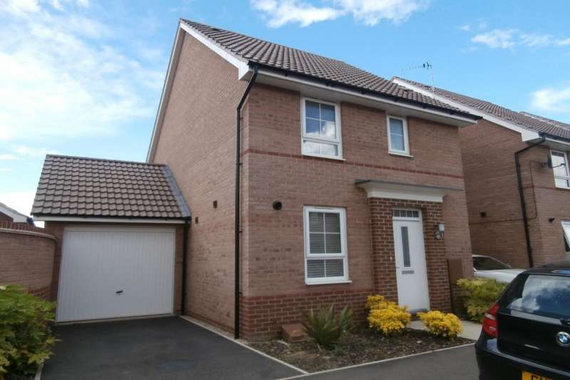 3 Bedrooms Semi Detached House for sale in Taunton Way, Retford, DN22