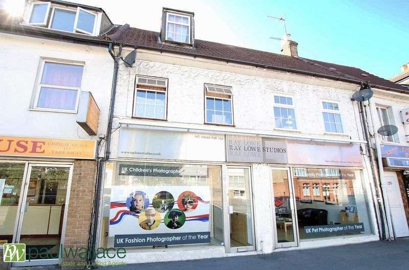 2 Bedrooms Flat for sale in Crossbrook Street, Cheshunt
