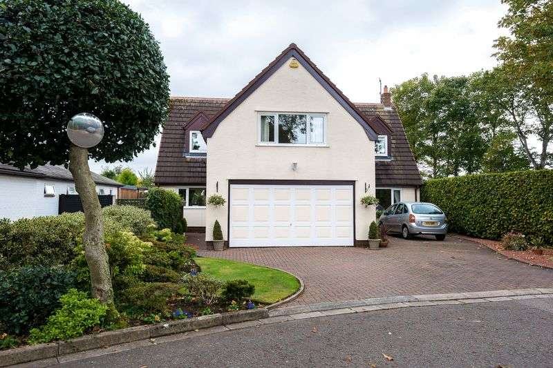 4 Bedrooms Detached House for sale in Grove Park, Southport