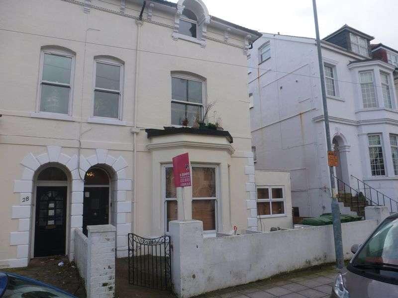 2 Bedrooms Flat for sale in Granada Road, Southsea