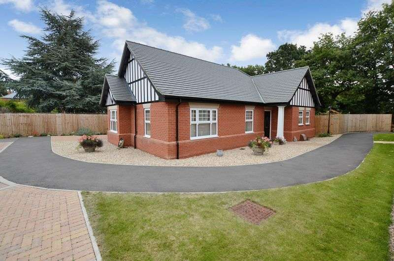 3 Bedrooms Detached Bungalow for sale in 7 Brookside Place, Woodhall Spa