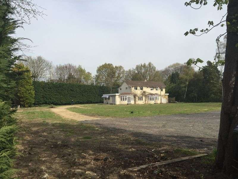 Land Commercial for sale in Cobham