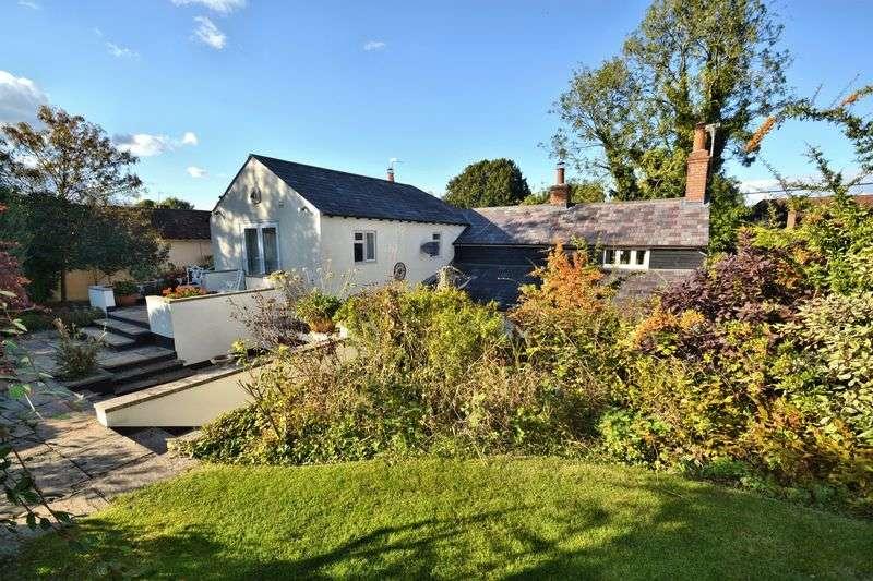 4 Bedrooms Detached House for sale in London Road, Blewbury