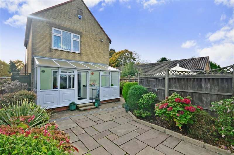3 Bedrooms Detached House for sale in Maltings Lane, Epping, Essex