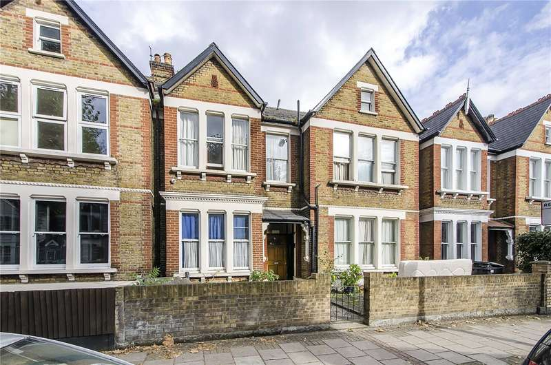 4 Bedrooms Terraced House for sale in Cavendish Road, London, SW12