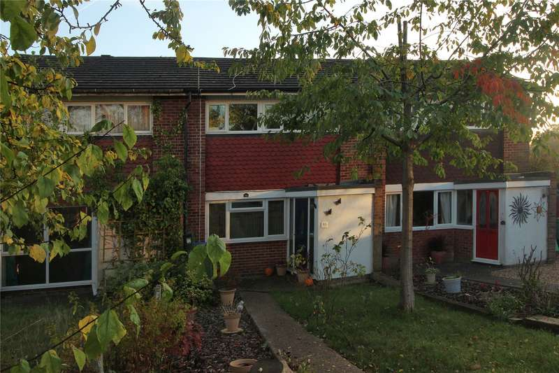 3 Bedrooms Terraced House for sale in Hermitage Road, Woking, Surrey, GU21
