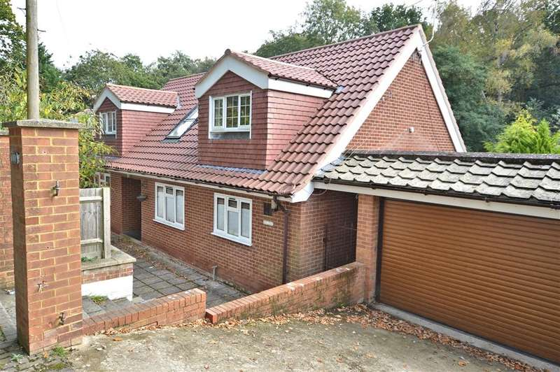 5 Bedrooms Detached House for sale in Burghfield Common, Reading, RG7