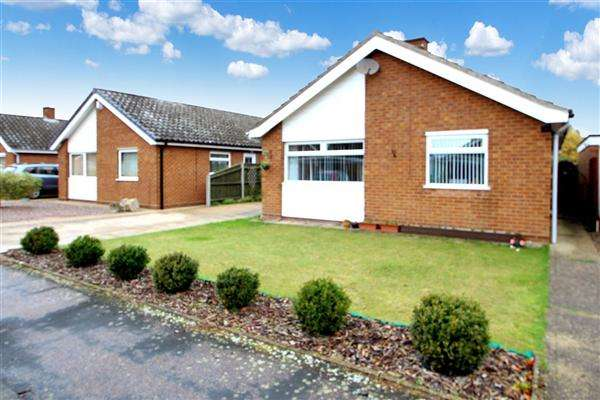 3 Bedrooms Bungalow for sale in Penryn Road, Kesgrave, Ipswich