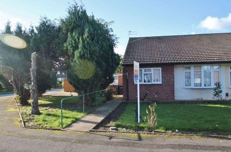 2 Bedrooms Semi Detached Bungalow for sale in Coronation Green, Ormesby