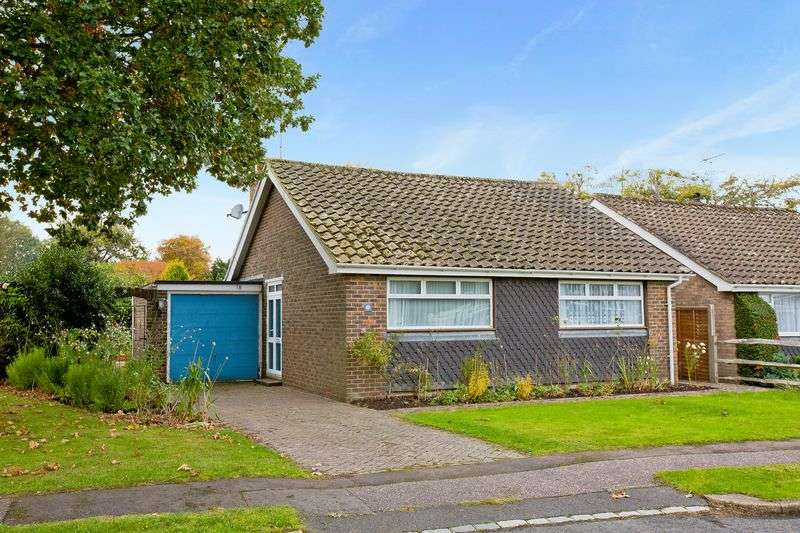 2 Bedrooms Detached Bungalow for sale in Fir Tree Way, Hassocks