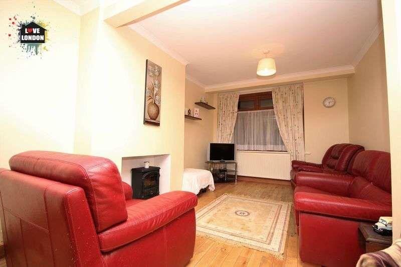 3 Bedrooms Terraced House for sale in Bradley Road, Enfield
