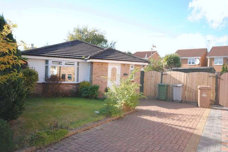 2 Bedrooms Detached Bungalow for sale in Huntington Close, Moreton