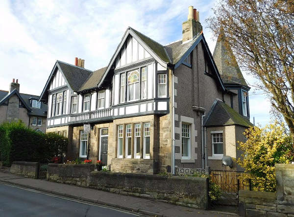 4 Bedrooms Semi Detached House for sale in Cromwell Road, Burntisland, KY3