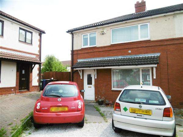 3 Bedrooms Semi Detached House for sale in Dene Grove, Leigh
