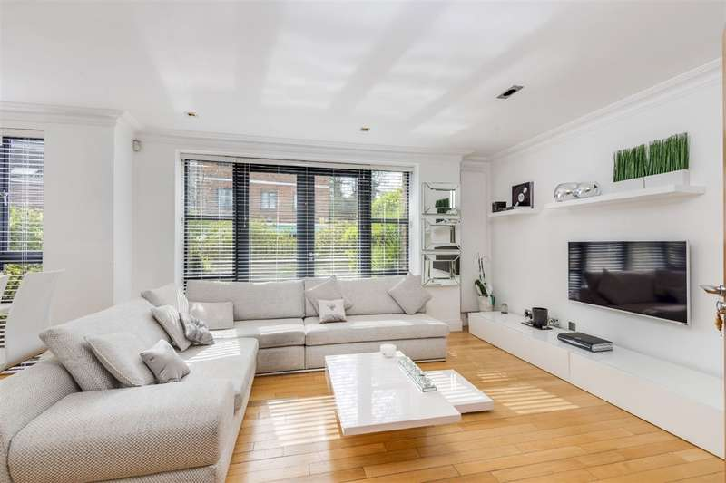 3 Bedrooms Property for sale in Heath Cut Lodge, North End Way, Golders Hill, NW3