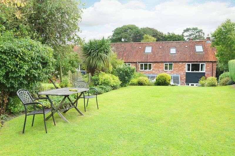5 Bedrooms Terraced House for sale in Edington, Westbury