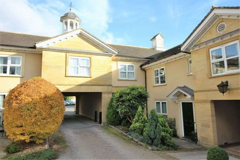 2 Bedrooms Flat for sale in Ashcombe Court, Ilminster