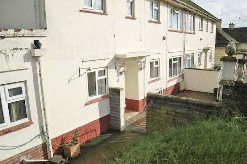 3 Bedrooms Flat for sale in New Park Road, PAIGNTON Ref: AB56