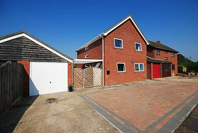 4 Bedrooms Detached House for sale in Millway Avenue, Roydon, Diss