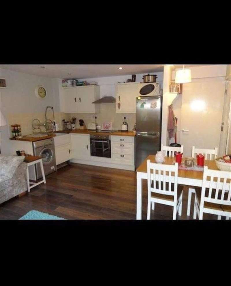 2 Bedrooms Flat for rent in Columbia Place, S2